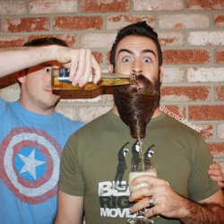Povestea omului care are succes pe barba lui. La propriu