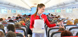10 lucruri pe care nu ştiai că le poţi cere în avion