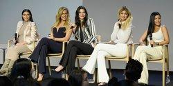 Sumele fabuloase cu care sunt plătite surorile Kardashian pentru o singură postare pe Instagram