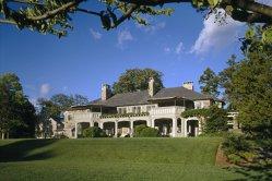 Unul dintre apropiaţii lui George Soros îşi vinde vila de zeci de milioane de dolari