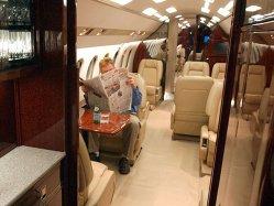 Chiria este atât de scumpă în acest oraş încât o companie a preferat să cumpere un avion cu 3 milioane de dolari pentru transportul angajaţilor decât să-i acomodeze în localitate