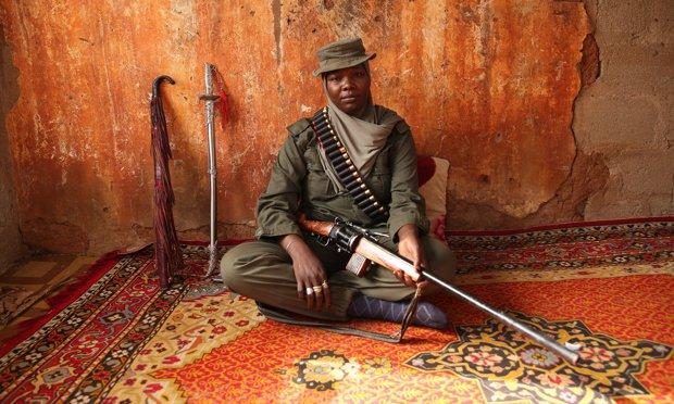 Femeia care se luptă cu cea mai periculoasă organizaţie teroristă din lume -FOTO