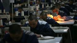 Dezvăluiri ŞOCANTE: prizonieri chinezi ar fi realizat produse pentru H&M şi C&A