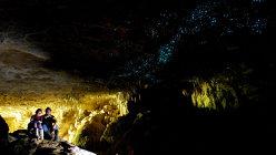 Peştera care arată ca o scenă din filmul Avatar - VIDEO