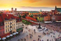 Oraşul din Europa care a fost distrus aproape în totalitate, dar a reînviat şi a ajuns un paradis turistic. Este o minune a ambiţiei locuitorilor