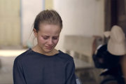 Trei bloggeriţe de modă au vizitat o fabrică H&M. S-au întors plângând - VIDEO