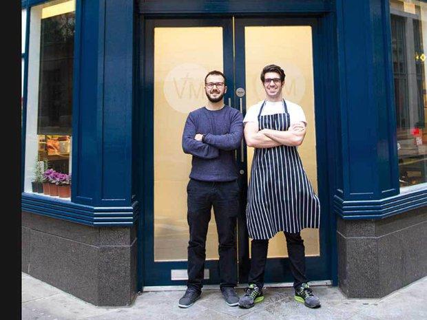 Românul care a renunţat la milioanele de pe Wall Street pentru a deschide un nou concept de restaurant în Londra