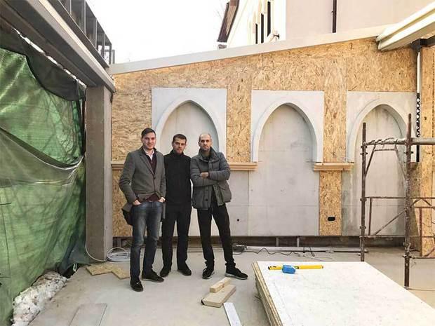Trei români au lansat un nou tip de local. După mai puţin de doi ani au afaceri anuale de 3,5 milioane de euro