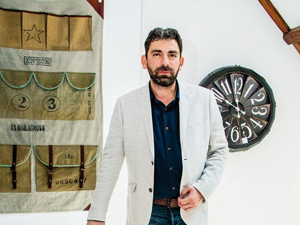 Doi tineri români au pornit o afacere cu mobilier cu 15.000 de euro, iar anul acesta au în plan vânzări de aproape 1 milion de euro