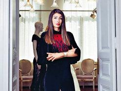 Tânăra antreprenoare care şi-a aşezat produsele alături de branduri ca Gucci, Prada sau Oscar de la Renta