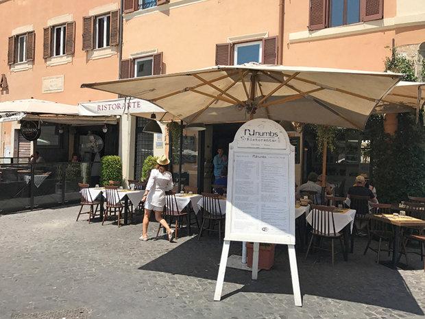 Restaurantul din Roma unde se poate plăti în lei