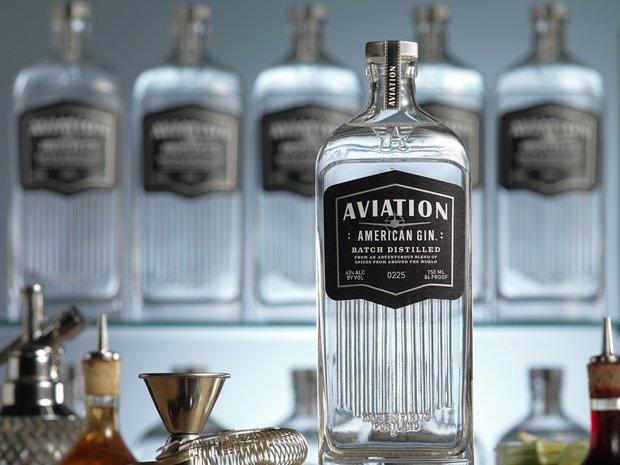 Una dintre cele mai cunoscute companii de gin din lume, cumpărată de un star de la Hollywood