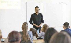 Afacerea cu care un tânăr de 18 ani vrea să câştige 2 milioane de euro