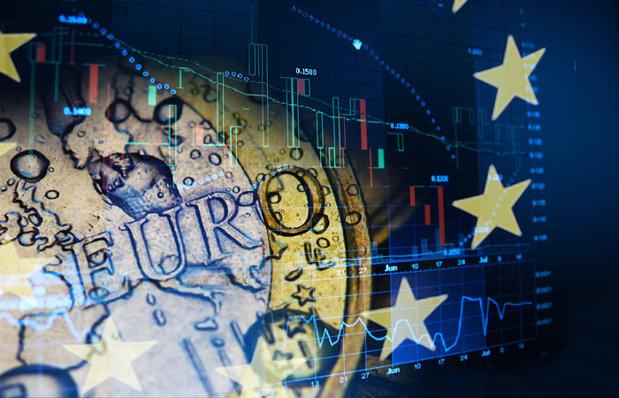 Cum văd bancherii evoluţia cursului leu/euro în 2014?