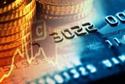 Dolarul şi francul elveţian ar putea trece de 5 lei în 2015, în timp ce cursul leu-euro va rămâne stabil