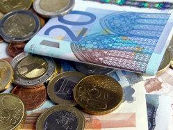 UniCredit Private Banking: Milionarii isi pierd increderea in banci, din cauza crizei
