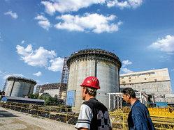 Reportaj: Oamenii care fac să meargă non-stop centrala nucleară de la Cernavodă