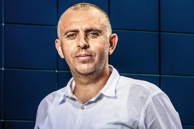 Un antreprenor moldovean care şi-a petrecut studenţia arând câmpul are o afacere de 16 milioane de euro: Am stat departe de bănci