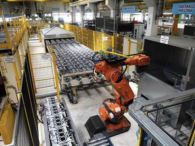 Robotizarea uzinei Dacia Mioveni, la 15 ani de la preluarea de către Renault