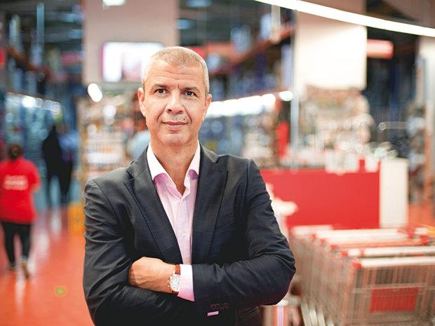 Cum să câştigi 4,5 milioane de euro cu două magazine în Bucureşti