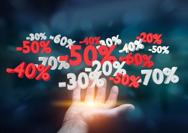 Lichidări de stoc şi reduceri importante la unul dintre cei mai mari retaileri online din România