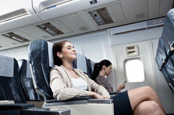 Prima companie aeriană care-ţi spune pe WhatsApp informaţii despre zbor