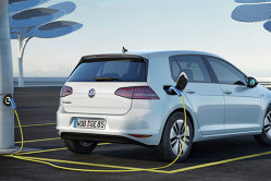 Patru din zece vizitatori în showroom-urile Volkswagen se arată interesaţi de achiziţionarea unui model electric
