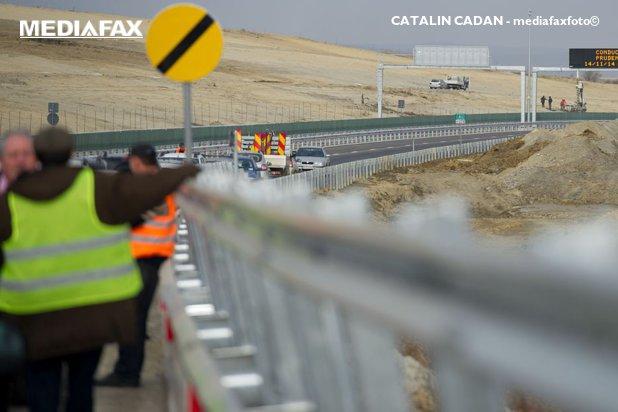 Speranţa moare ultima. Felix Stroe: În 2018 vom finaliza 156,7 kilometri de autostradă