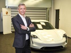 Porsche intră în era mobilităţii electrice. Cum arată Mission E, primul model full electric al companiei