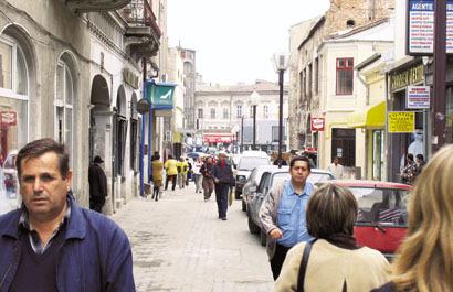 România a devenit o ţară de consultanţi. Una din 20 de firme dă sfaturi altora
