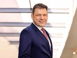 CEO-ul Mercedes-Benz România vorbeşte despre ruşi, arabi şi milionari excentrici