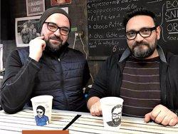 Metoda artistică la care doi români s-au gândit pentru a vinde mai multă cafea. Totul a început întâmplător