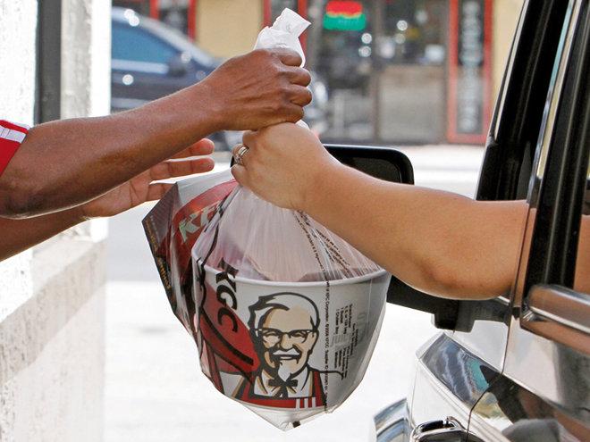 Cum şi-a început cariera Mark Hilton, executivul care conduce afacerile KFC, Pizza Hut şi Taco Bell pe piaţa locală