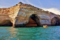 Destinaţie de vacanţă, Peştera Benagil - VIDEO