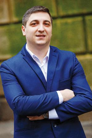 """Adrian Enache, chief executive officer OmniPERFORM (RO) şi Angels Den Funding Limited (UK): """"Sfaturi pentru tinerii care îşi încep acum cariera, adaptabilitate şi curaj"""""""