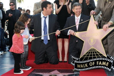 Adam Sandler are stea pe Hollywood Walk of Fame