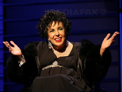 BREAKING NEWS. A murit actriţa Elizabeth Taylor - VIDEO