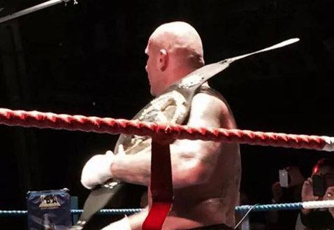 VIDEO   Cătălin Zmărăndescu, campion mondial IBA. Luptătorul român şi-a făcut KO adversarul