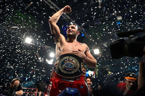 Cristian Ciocan luptă în această noapte cu Beato Costa Junior. Dacă va învinge, românul ar putea deveni challenger la titlul mondial deţinut de Vladimir Kliciko