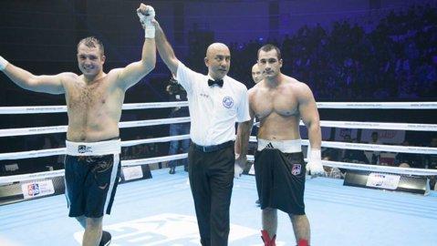 Supergreul Mihai Nistor, la o victorie de calificarea la Jocurile Olimpice după victoria de senzaţie cu gigantul rus Omarov. Băcăuanul s-a ales cu capul spart şi patru copci