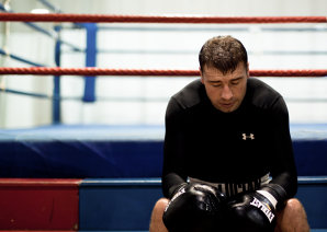 """""""Dacă vrea să luptăm murdar, vom lupta murdar"""". Sfaturi şocante primite de Lucian Bute de la antrenorul său înainte de lupta cu DeGale: dacă britanicul dă un cot, asta faci """"în mijlocul ringului, când arbitrul este cu spatele"""""""