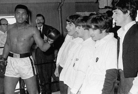 Lumea boxului e în doliu! Muhammad Ali a încetat din viaţă la 74 de ani