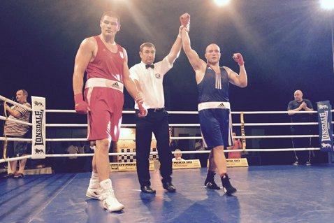 Victorie cu iz olimpic! Mihai Nistor a câştigat Centura de Aur după ce l-a învins în finală pe campionul european, croatul Filip Hrgovic