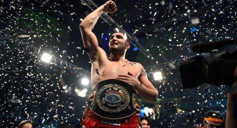 Cristian Ciocan şi-a păstrat centura de campion european WBO la grea, după ce l-a făcut KO în repriza a şaptea pe englezul David Price