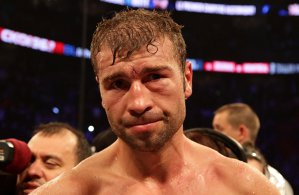 VIDEO | S-a sfârşit! Lucian Bute a pierdut prin KO, în repriza a cincea, meciul cu Alvarez! Momentul care l-a zdruncinat pe campionul român