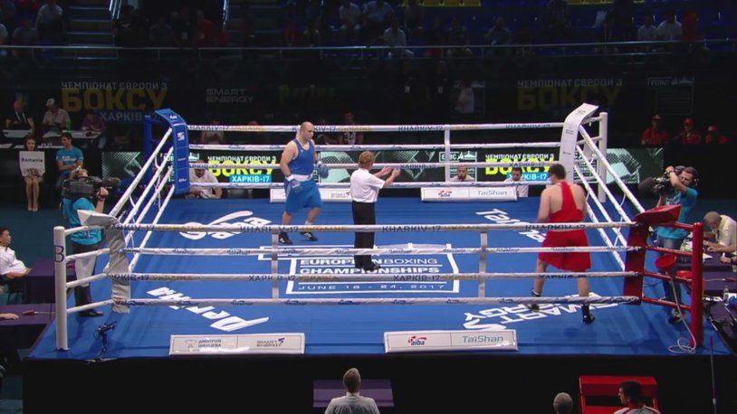 "Boxer Mihai Nistor, in the ""quarters"" at the European Championships of Kharkov. Supergreul tricolor and assured the qualification to the World championship in Hamburg"