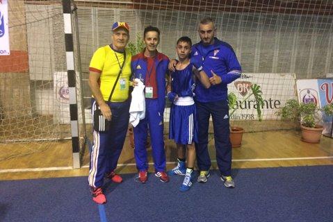 SPECIAL | Boxerul cu inimă de leu din Valea Lupului. Eusebiu Tîrzoman a obţinut a doua victorie tricoloră la Campionatele Europene de cadeţi de la Râmnicu Vâlcea
