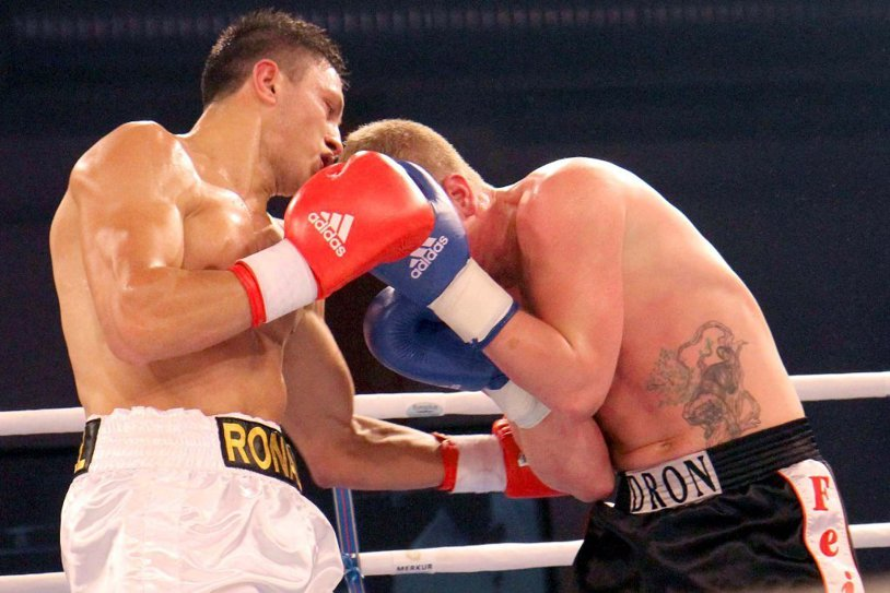 Ronald Gavril, învins de David Benavidez în meciul pentru centura WBC la categoria supermijlocie! VIDEO | Românul şi-a trimis adversarul la podea, dar a fost prea târziu