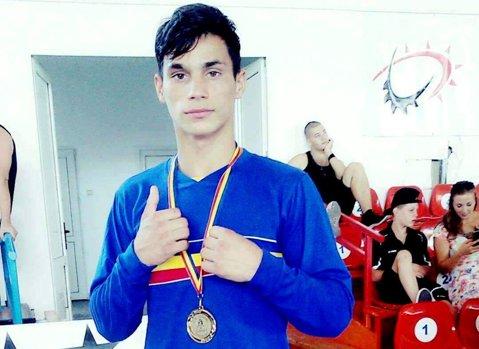 """Cosmin Toboşaru, primul medaliat al României la Europenele de box pentru juniori. """"Vreau aurul!"""""""