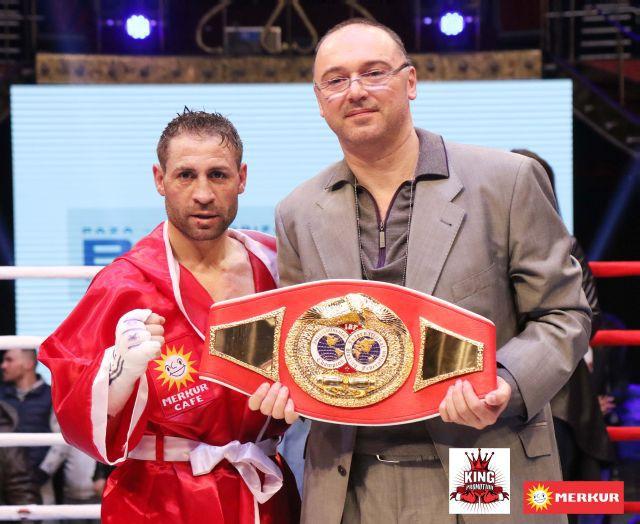 """Supergală de box profesionist pe 3 noiembrie. """"Lupii din Carpaţi"""" se bat pentru trei centuri internaţionale la Sala Sporturilor din Buzău"""
